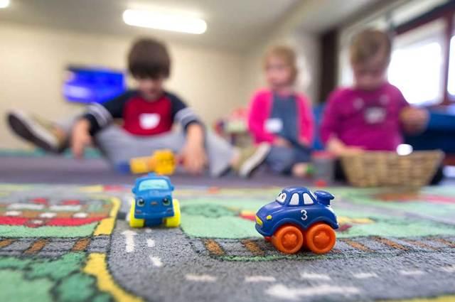 В 13 регионах не хватает мест в детских садах