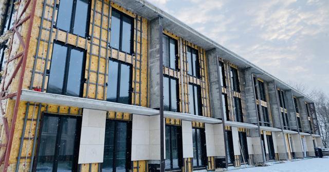В Москве, в Серебряном Бору, достраиваются элитные коттеджи