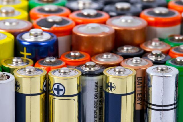 Экоактивисты предлагают платить россиянам за сдачу старых батареек