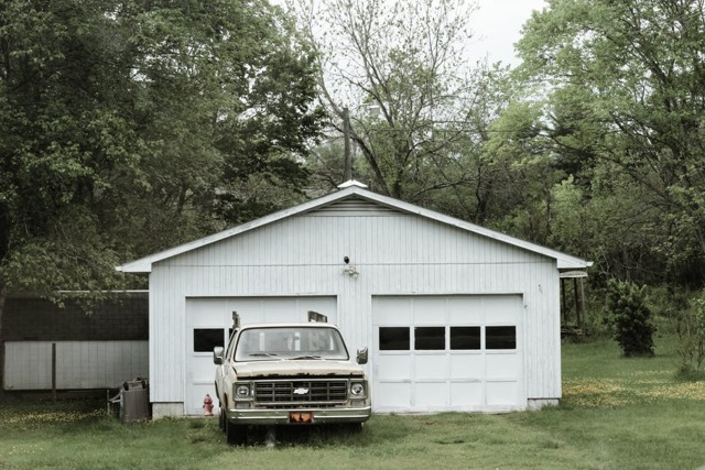 Можно ли жить в гараже?