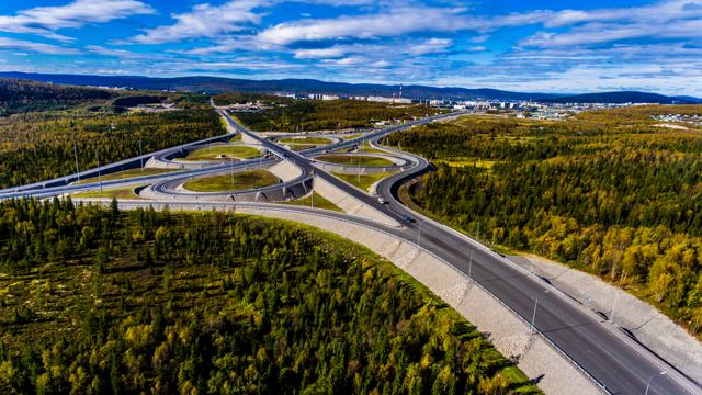 4 балла из 10: россиян не устраивают дороги и парковки в стране