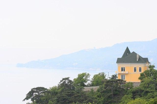 Где и когда выгоднее снимать жилье для длинного отпуска у моря?