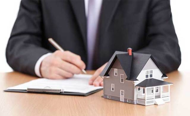 Как приватизировать жилье, если бывший муж живет не в России?