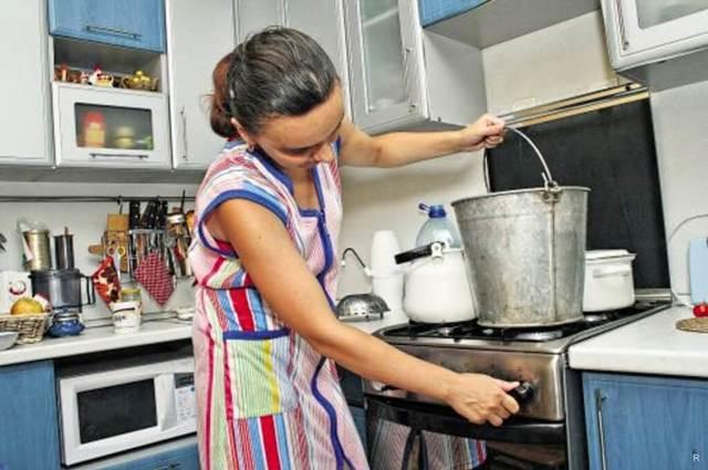 Минстрой рекомендовал регионам не отключать горячую воду, пока не потеплеет