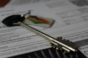 Можно ли продавать квартиру с долгом по капремонту?