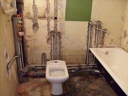 Должна ли я разбирать стену для доступа к стояку отопления?