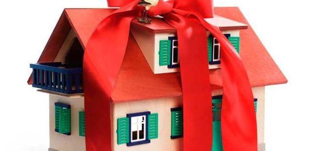 Нужен ли нотариус при дарении квартиры?