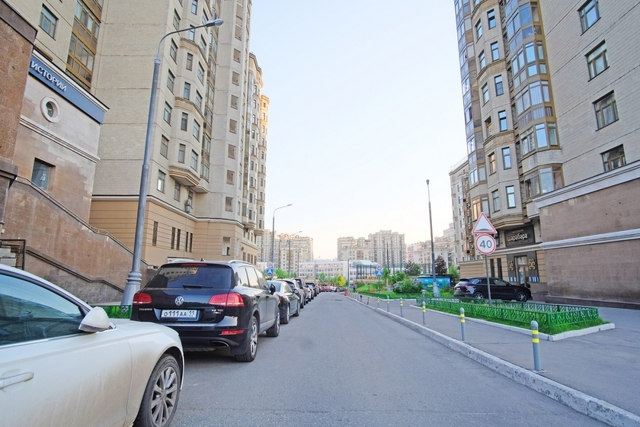 Жители элитных ЖК Петербурга стали оспаривать кадастровую стоимость машиномест
