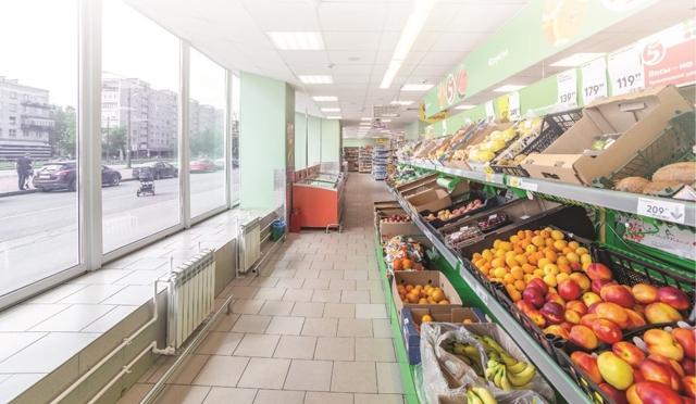 В Петербурге инвесторы переходят от жилья к стрит-ритейлу