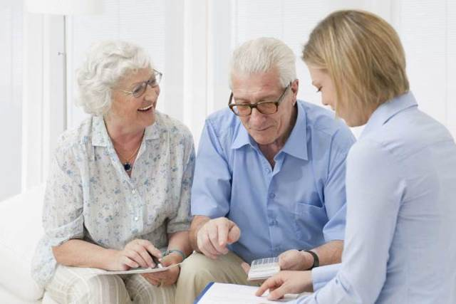 Должны ли пенсионеры платить налог, сдавая квартиру?