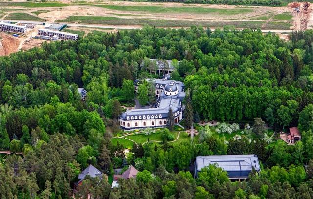 Самая дорогая деревня Подмосковья — Раздоры