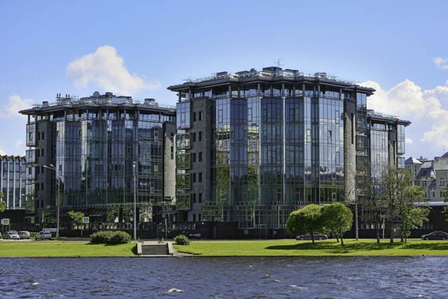 В Петербурге стали строить больше элитного жилья