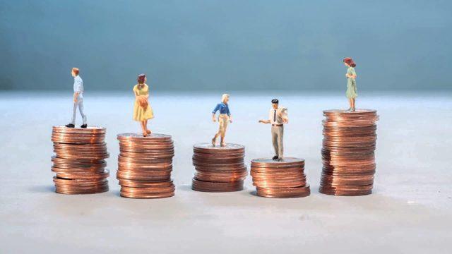 Нотариусы могут снизить плату за услуги