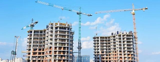 Инвестиции россиян в долевое строительство сократились вдвое