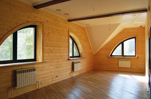 В Подмосковье на 1 недорогой дом в аренду приходится 4 арендатора