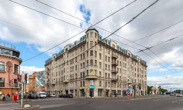 Жители Петербурга жалуются на нелегальные мансарды и хостелы
