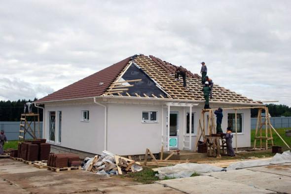 Лишь 2 из 5 покупателей загородных домов собираются в них жить