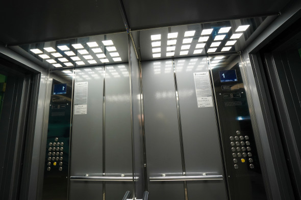 В высотных зданиях Москвы стали отключать лифты