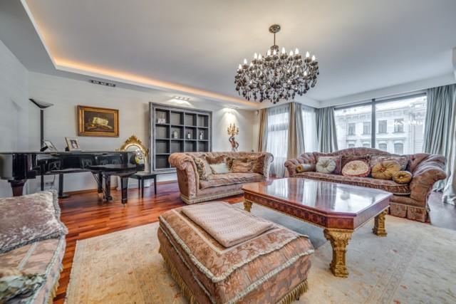 Россияне покупают элитные квартиры в Москве, заработав на курсах валют