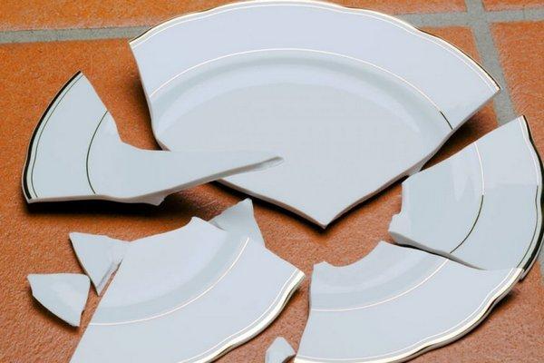 5 привычек, из-за которых ваша посуда бьется и портится