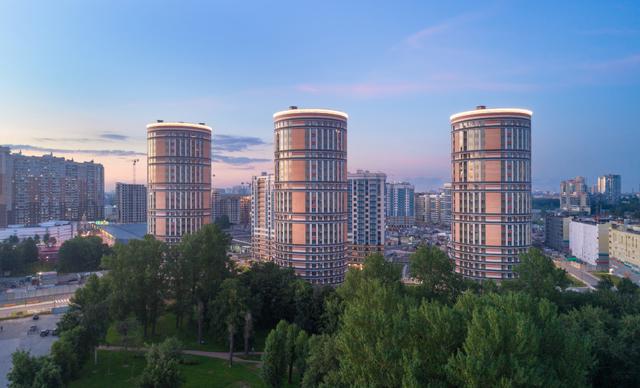 В Петербурге дорожают и доступные, и дорогие новостройки
